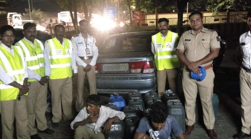 Traffic police seizure 700 to 800 liters of liquor